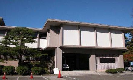 石川県立伝統産業工芸館で、輪島塗ボールペン「雅風」が展示されます。